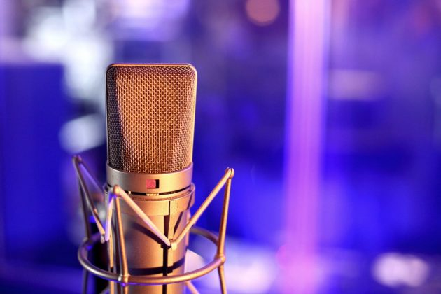Foto Mikrofon Tonstudio Gesang Blau