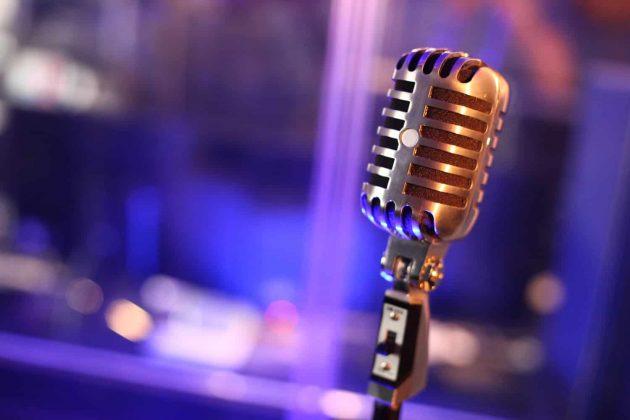 Foto Mikrofon Elvis Tonstudio Blau silbern glänzend